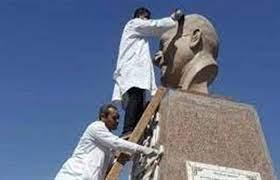 السياحة والآثار تبدأ حملة تنظيف وصيانة التماثيل بالميادين والحدائق