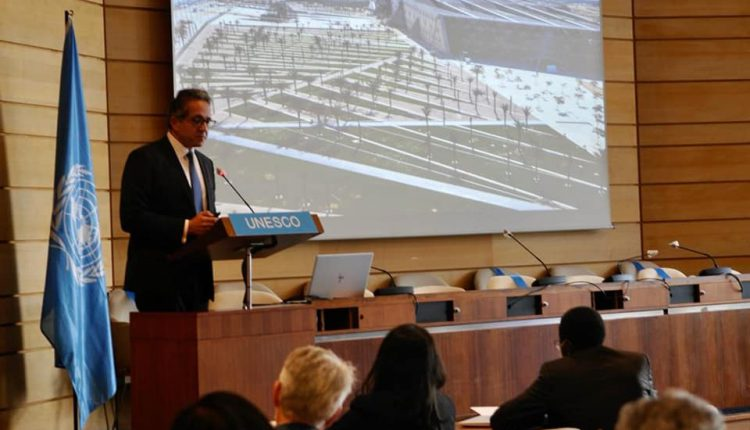 وزير السياحة والآثار يلقي محاضرة بالجلسة العامة بالمقر الرئيسي لمنظمة اليونسكو في باريس